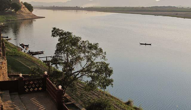 Myanmar's Ayeyarwady River, January 2013. | photo: flickr/francisco anzola