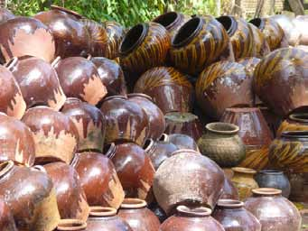 Clay and glaze products from Twantay | photo: regent-myanmar.com