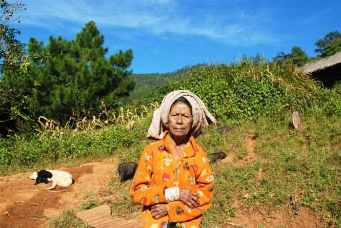 An eldely woman outside Kanpetlet township who reports untreated health problems due to problems getting to care. | photo: nyan lynn/irin