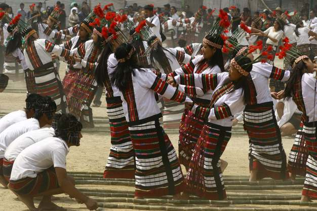 CHERAW DANCE IS PERFORMED IN MIZORAM STATE OF INDIA.