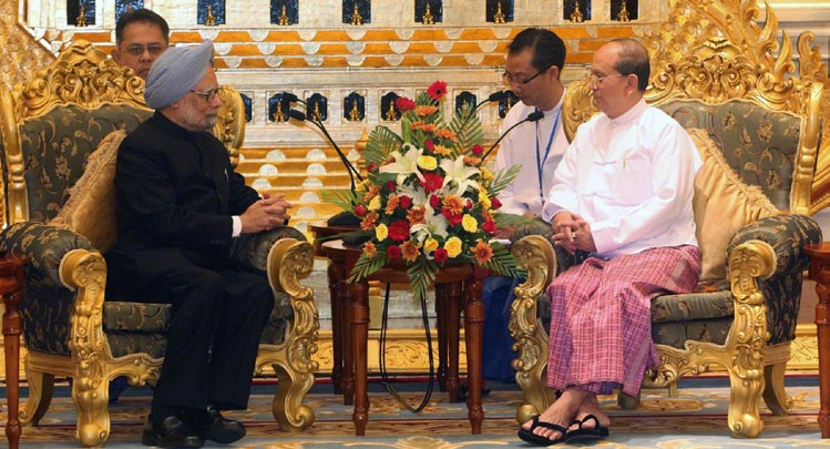 File photo of Myanmar President U Thein Sein (R) meeting with visitng Indian Prime Minister Manmohan Singh in Nay Pyi Taw, Myanmar, May 28, 2012. The Indian PM visited Nay Pyi Taw during his three-day official tour to Myanmar | Photo: Xinhua/U Aung/ www.titanherald.com