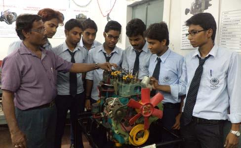 AUTOMOBILE ENGINE WITH STUDENTS IN INDIA