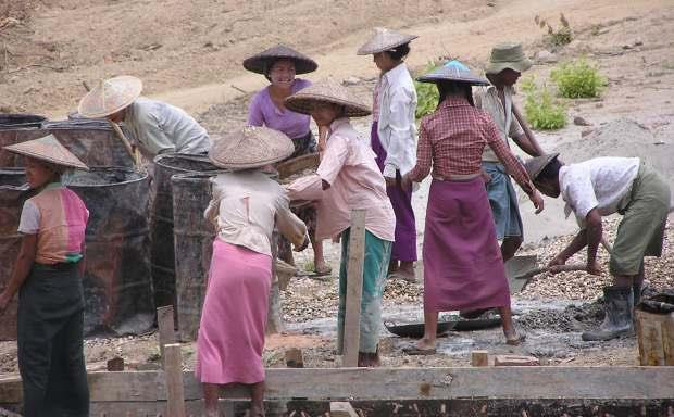 MYANMAR'S LABOUR DURING CONSTRUCTION OF A ROAD