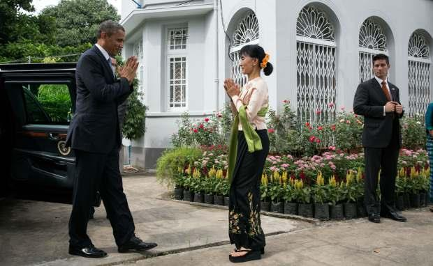 AUNG SAN SUU KYI WELCOMES BARACK OBAMA AT HER RESIDENCE IN MYANMAR